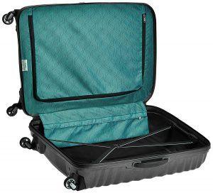 interior de una maleta