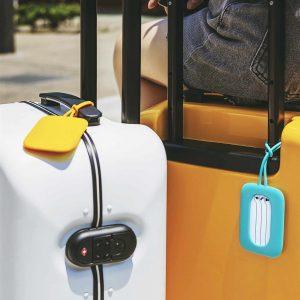 maletas con etiqueta de maleta