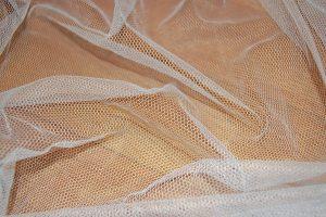 tejido de una mosquitera de viaje