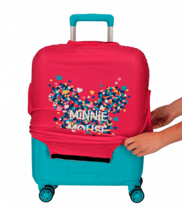 poner una funda para maleta